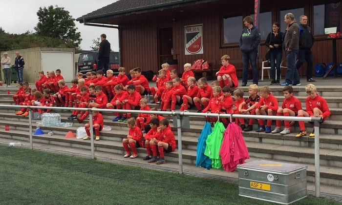1. Fußball-Camp bei TuRa gestartet